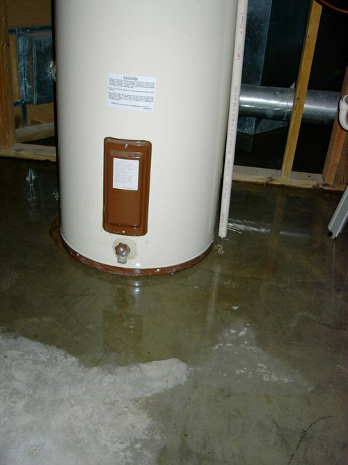 Hot Water Heater Plumbing Emergency in Sanford | leak